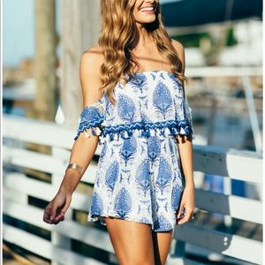 Tops - Off the shoulder top with matching short SET